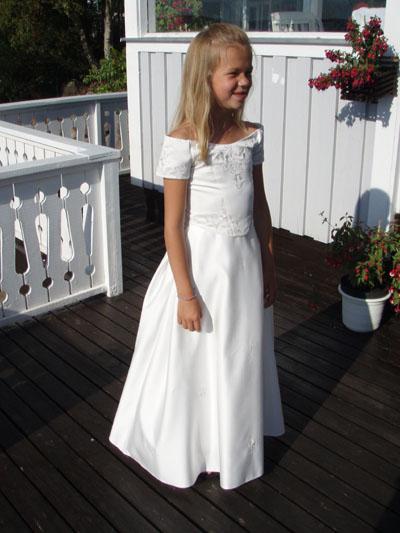 Näbbklänning 12 år???